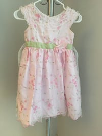 Girl's pink and white floral sleeveless dress size 6 539 km