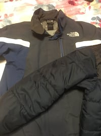 black The North Face zip-up hoodie 42 km