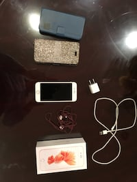 IPhone 6s Unlocked With Accesories Toronto, M9A 1T9