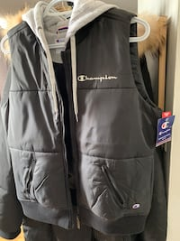 Champion Women's Stadium Puffer Vest - Black Mississauga, L5B 1V3