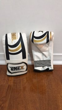 Brand New Adults Mist Boxing Gloves (Black, Gold and White) Mississauga