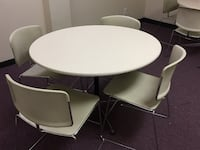 PRICE REDUCED!!! Lunch Table/Chairs FREEPORT