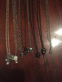 assorted chain necklaces with pendants 378 km