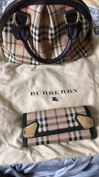White and black burberry leather crossbody bag used , from flagship store in Chicago. Obo  Yorktown, 23693