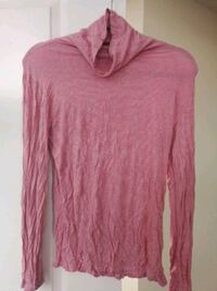 pink scoop-neck long-sleeved shirt Washington, 20005
