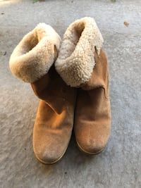 Authentic Ugg boots size 6 US