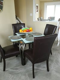 Modern dinning tabe with 4 chairs