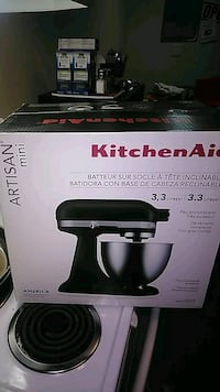 Kitchen aid mixer Brand new box never opened