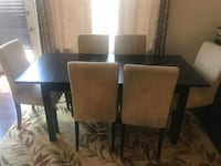 Extendable dinning table with six chairs Aldie, 20105