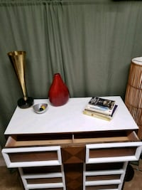 white and brown wooden desk Capitol Heights, 20743