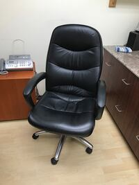 black leather office rolling armchair Langley, V1M 2E4
