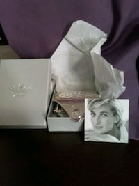 """Princess Diana compact mirror from the """"Althorp Estate"""" genuine."""