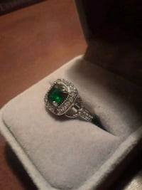 Women's silver ring with emerald  Toronto, M6H 2X6