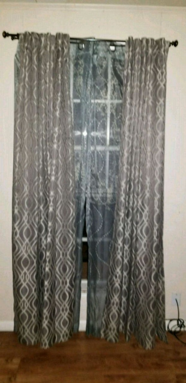 For Sale- living room curtain set, very nice not a