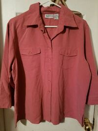Womens button front shirt size large  Seagoville, 75159