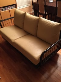 brown leather 2-seat sofa Mississauga, L5B 4G7