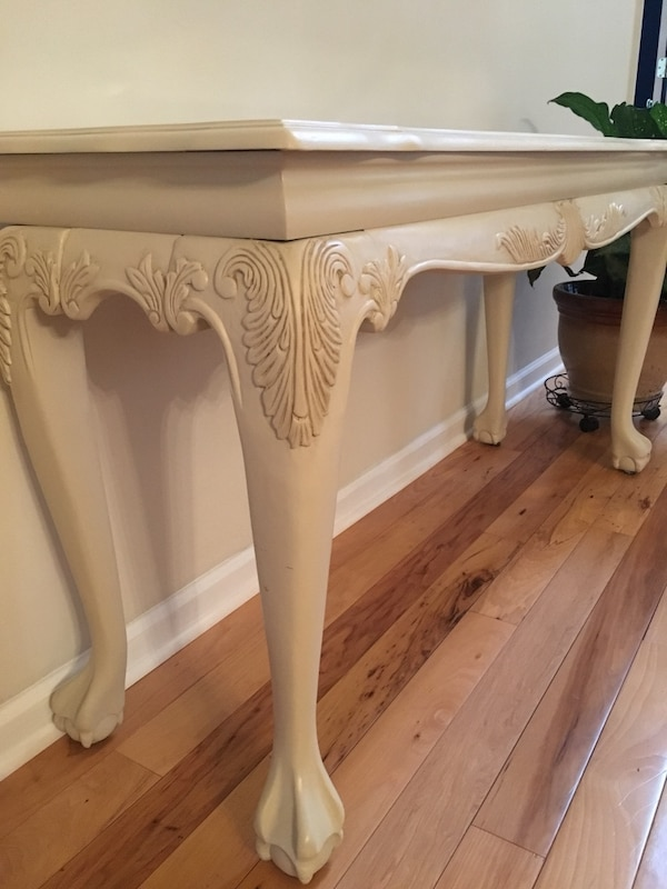 Beautiful Foyer/Sofa Table 3876f405-8736-44d5-b28d-0b56f9b9ba4e