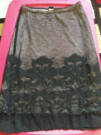 Skirt size small Broken Arrow, 74012