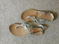 pair of brown leather thong sandals Winnipeg, R3N 1Z1