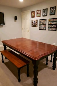 Kitchen/dining room table with benches Point of Rocks, 21777