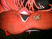 pair of red Nike basketball shoes Palmdale, 93550