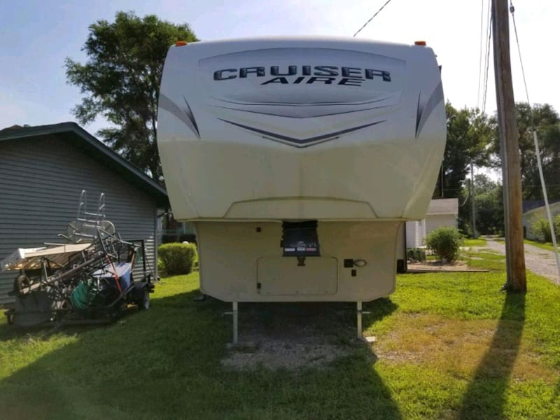 5th wheel travel trailer. Only used twice. 64a5590c-042c-42a8-b3ff-1692345d49f8