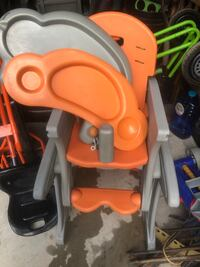 2 in 1 Highchair/chair and table