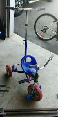 Toddler Tricycle w/ Handles Whitby, L1M 2C8