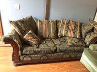 Couch and throw pillows  Pottstown, 19464