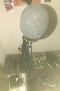 Microphone & stand  Capitol Heights, 20743