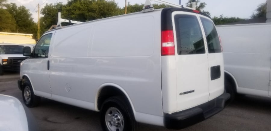 2017 Chevy Express 2500 4.8L V8 only 8K Miles 7