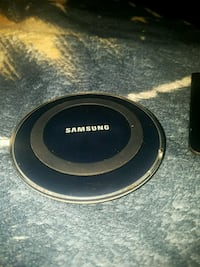 black Samsung wireless charging pad 2336 mi