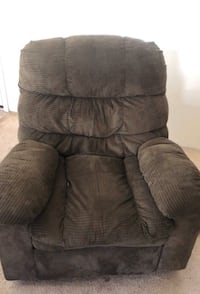 Recliner chair  (NEGOTIABLE)
