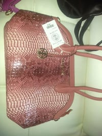 Price droo $25 ladies bag Manchester, 06040