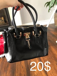 Also hand bag. Brand new  Innisfil, L9S 8G2