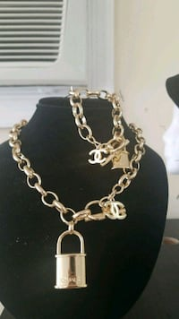 Necklace and bracelet Roselle, 07203