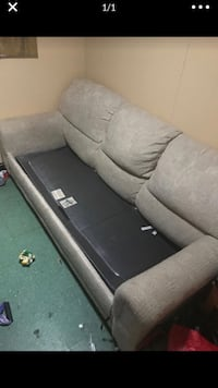 Fold out sofa Falls Church, 22046