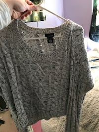 gray scoop-neck sweater Snohomish, 98296