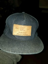 black and gray fitted cap Cambridge, N1R 3K6