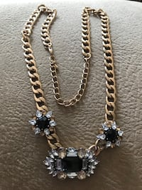 New!!! Beautiful statement necklace - $5.00 Rimbey, T0C