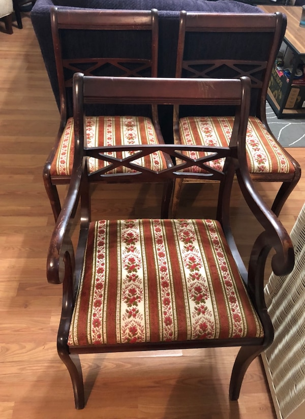 Antique Chairs and Side Table - Used Antique Chairs And Side Table For Sale In Sacramento - Letgo