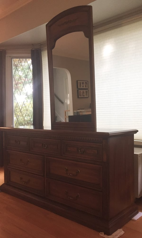 Vintage Stanley Furniture neoclassic solid wood dresser with mirror - REDUCED! 268ab2c1-f66b-49fb-a71b-c5264e845958