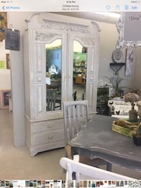 Antique armoire double door with hanging bar and draw for storage  Sylacauga, 35151