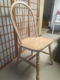 Wooden kitchen chairs St Albert, T8N