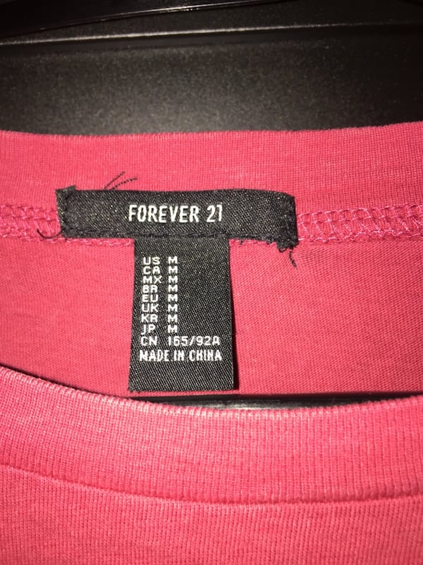 Forever 21 Cropped Top c66aa95f-4094-46ef-b532-fded6d1dc29b