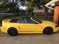 Ford - Mustang - 2001 Centreville