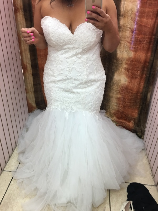98529bfa4f8 Used Wedding dress ...fits size 10-14 corset back for sale in Fremont -  letgo