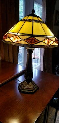 brown and white table lamp Alexandria, 22312