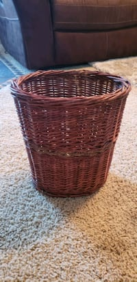 Wicker wastebasket  Las Vegas, 89139