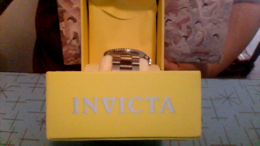 invicta watch f6929bca-53d7-4545-98e9-b7f9c42cdde2